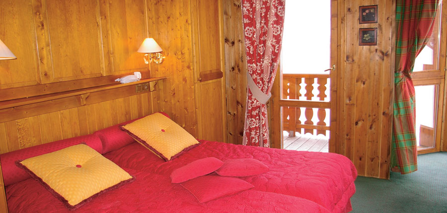 France_La-Plagne_Hotel-Des-Balcons-Belle-Plagne_Bedroom-balcony.jpg